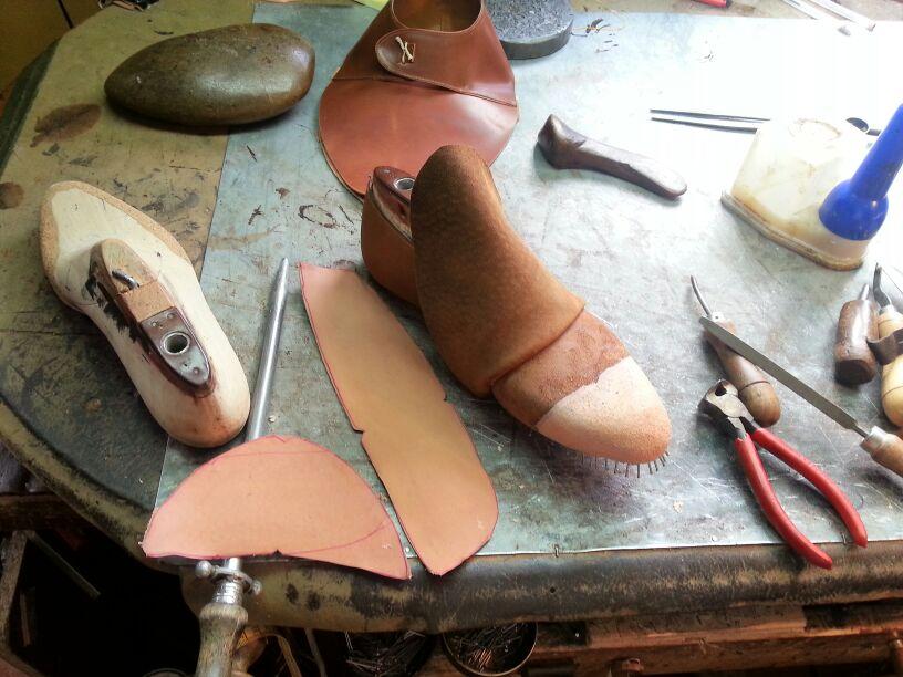 sandalias de cuero hechas a mano artesanales